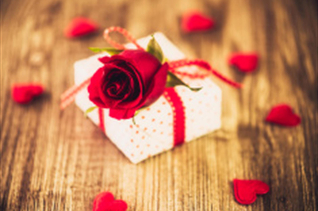 Valentine Day Gifts Ideas For Him